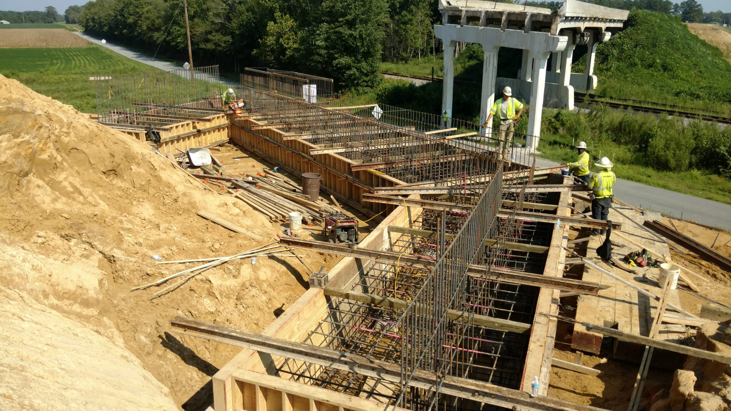 Forming the abutment footer